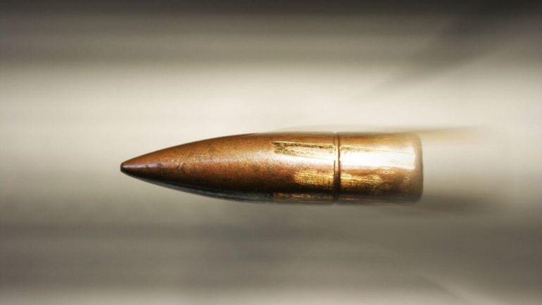 """Πολιορκημένα από … σφαίρες τρία αδέρφια στην Κρήτη! Τα """"βόλια"""" περνούσαν τους τοίχους…"""