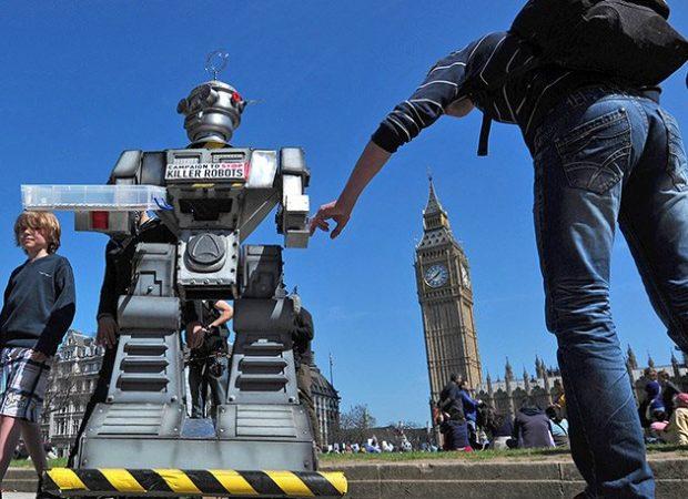 Ειδικοί προειδοποιούν: Αν δεν προλάβουμε τα «ρομπότ δολοφόνους» θα ανοίξει το κουτί της Πανδώρας