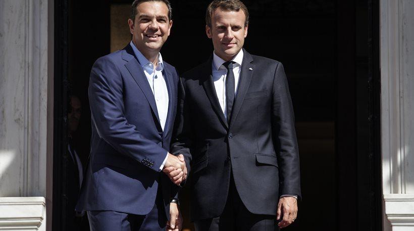 Ρητορική στήριξη Μακρόν σε Ελλάδα, με το βλέμμα στην υπογραφή των επιχειρηματικών deal