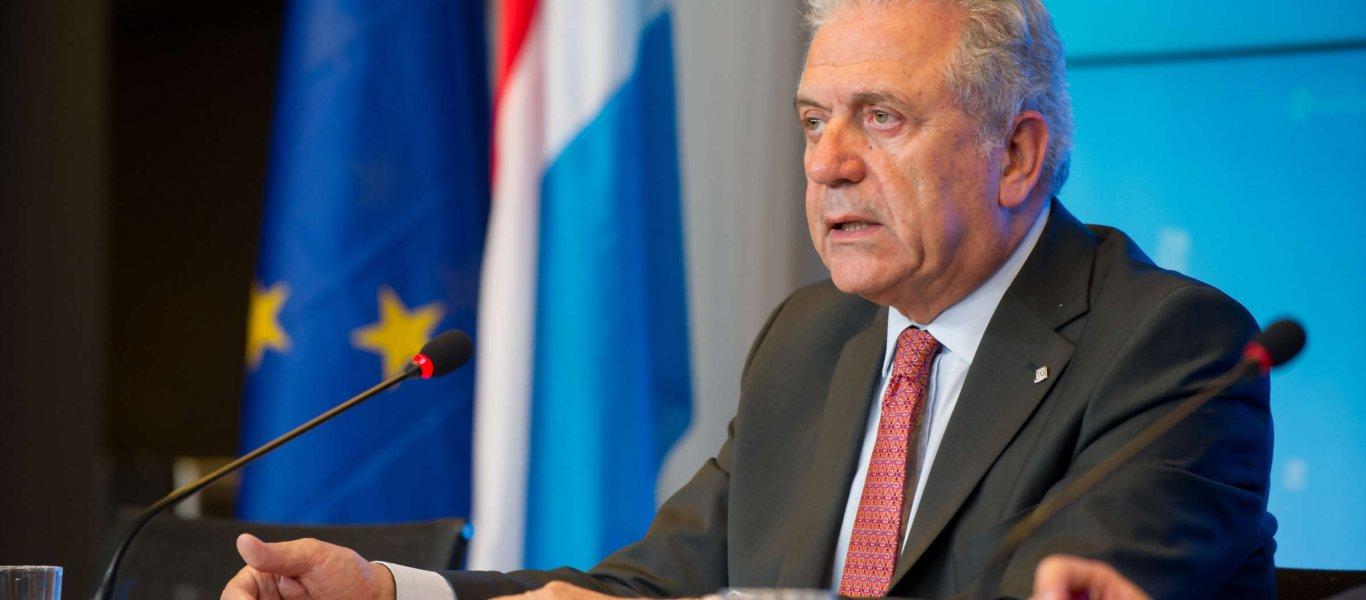 Αβραμόπουλος: Τα hot spot στην Ελλάδα δεν θα αντέξουν