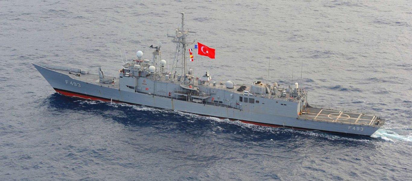 Πρωτοφανές: Ελληνικό πολεμικό πλοίο ανεφοδίασε με καύσιμα τουρκική φρεγάτα έξω από τη Κύπρο!