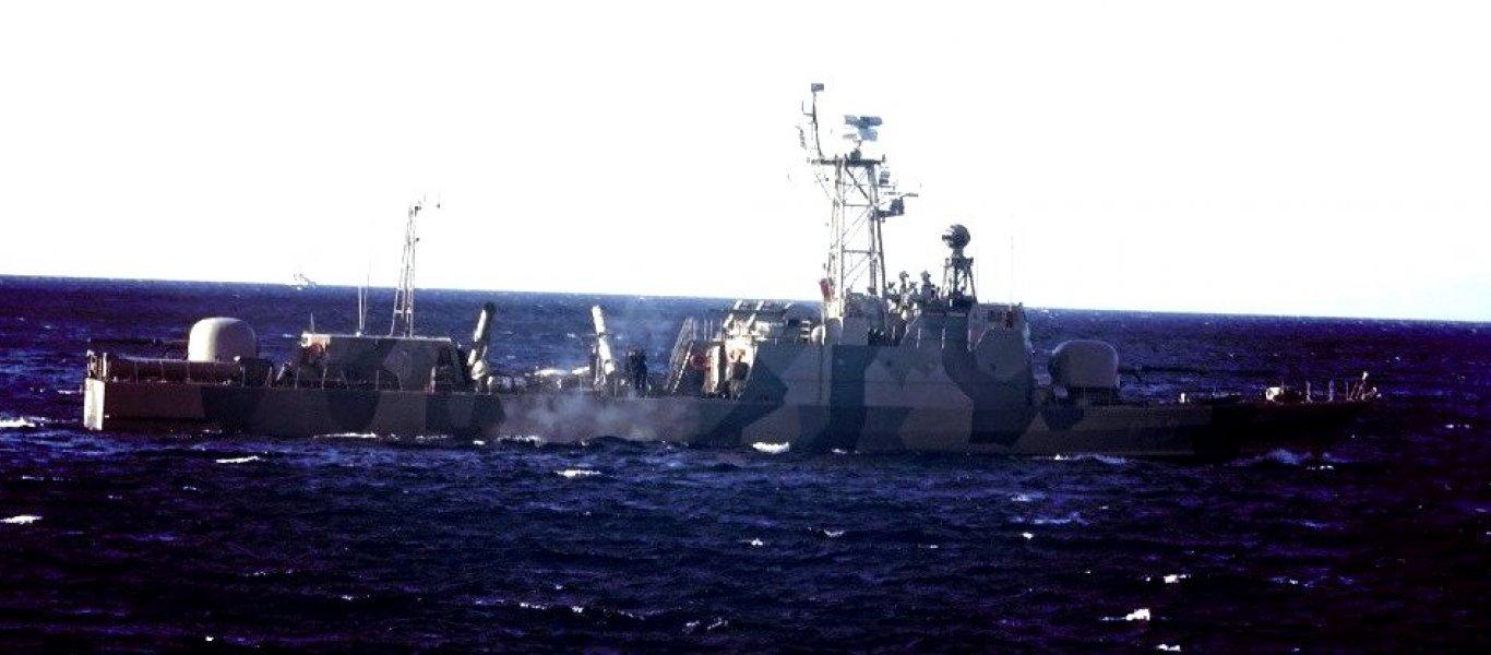 Φωτό-ντοκουμέντο: Ντεμπούτο για το πρώτο stealth πλοίο του Πολεμικού Ναυτικού εν δράσει στην «Παρμενίων 2017»