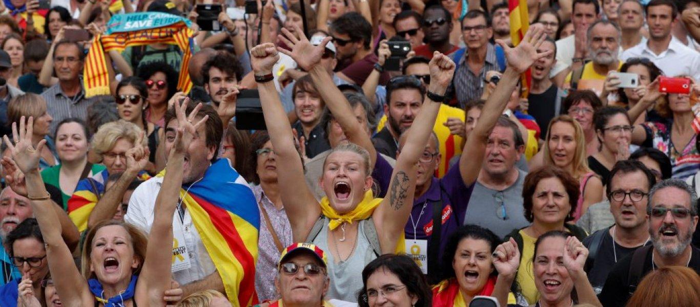 Το καταλανικό κοινοβούλιο ψήφισε υπέρ της ανεξαρτησίας από την Ισπανία- Ενεργοποίησε το άρθρο 155 η Μαδρίτη!