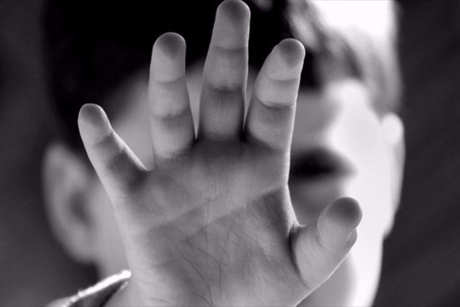 Ανατριχιαστικές οι αποκαλύψεις για την υπόθεση πατέρα που βίαζε την κόρη του από τα δυο της χρόνια