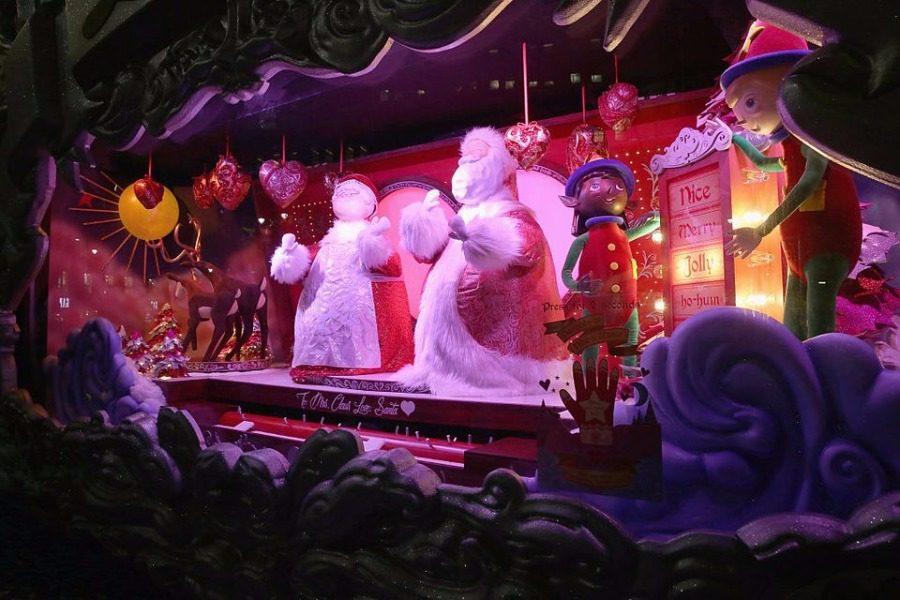 Η Νέα Υόρκη στολίστηκε: Oι καλύτερες χριστουγεννιάτικες βιτρίνες