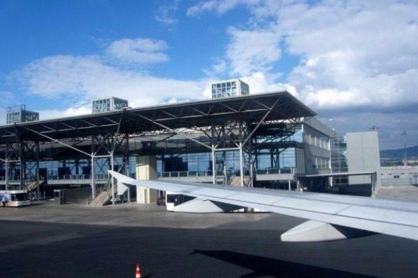 Αλλες δύο αεροπορικές εταιρείες διακόπτουν τις πτήσεις στο αεροδρόμιο «Μακεδονία»