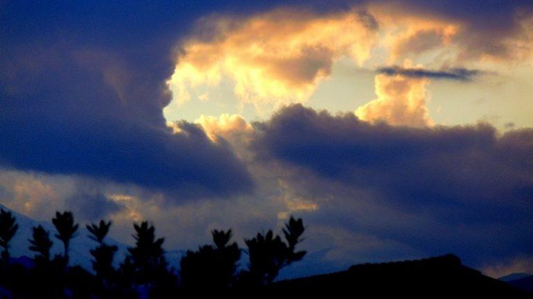 Mαγνητίζει το βλέμμα ο Κρητικός ουρανός!