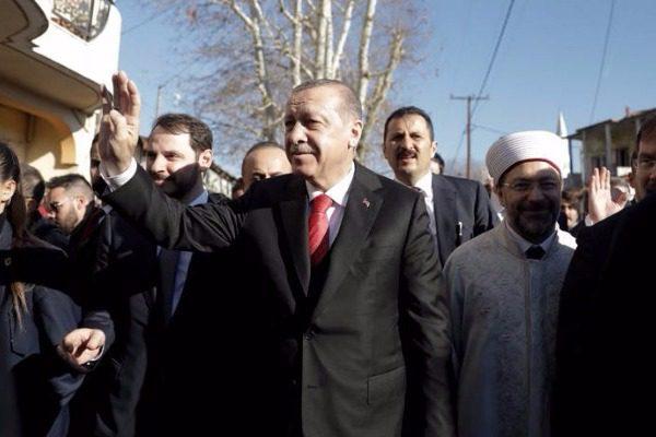 Ερντογάν: Δεν είναι δυνατό να βάλουμε στην άκρη την ελληνική σημαία