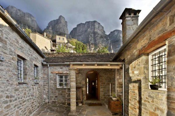 Το ξενοδοχείο του Κώστα Κεντέρη βραβεύτηκε ως το καλύτερο ορεινό θέρετρο στη Ν. Ευρώπη