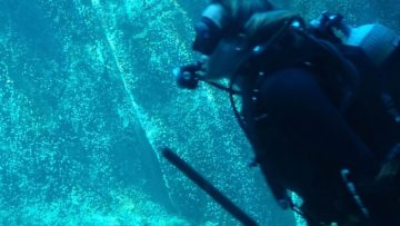 Ο ένας ψαροτουφεκάς… έσωσε τον άλλο