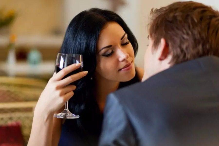H επιστήμη μίλησε: Πιο ευτυχισμένες οι γυναίκες με άσχημους άντρες