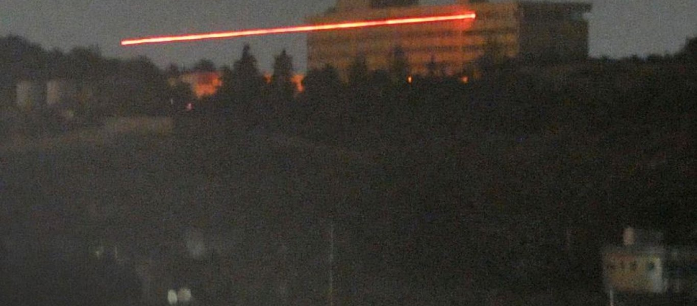Μακελειό στο Intercontinental: Πετούν ανθρώπους από τα παράθυρα οι τρομοκράτες