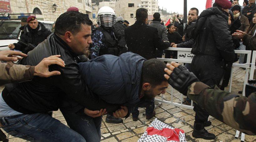 Παλαιστίνιοι επιτέθηκαν στο αυτοκίνητο του Πατριάρχη και τον φώναζαν «προδότη»!