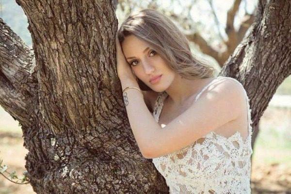 Η Αννα Κορακάκη είναι το κορίτσι που πάντα ονειρευόσουν