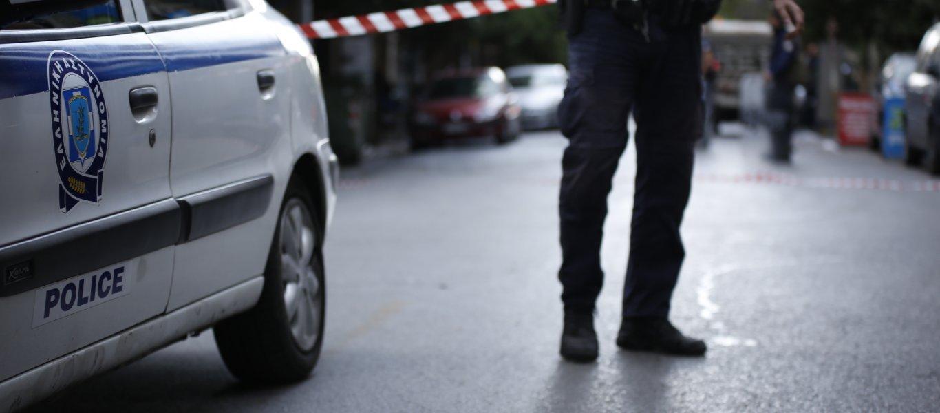 Θανατηφόρα πτώση 42χρονου Αλβανού από ξενοδοχείο στην Ομόνοια και μια βαλίτσα γεμάτη χρήματα – «Δεν ήταν πελάτης» (φωτό)