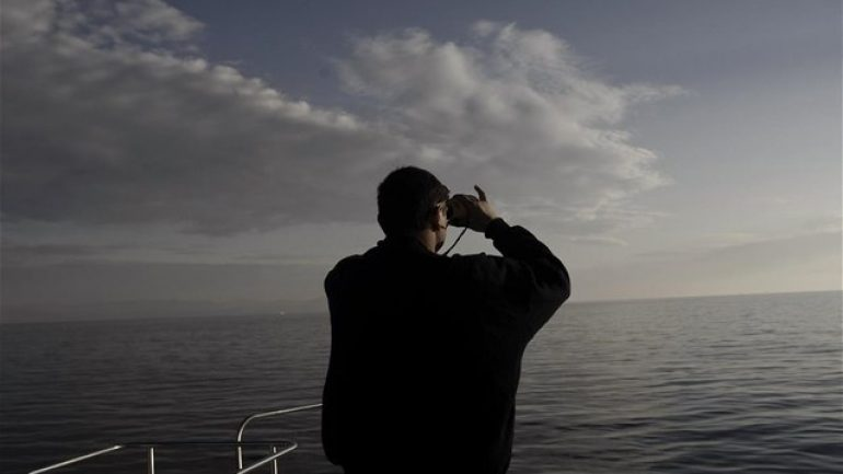 """""""Φύλλο και φτερό"""" κάνουν ύποπτο πλοίο στο λιμάνι"""