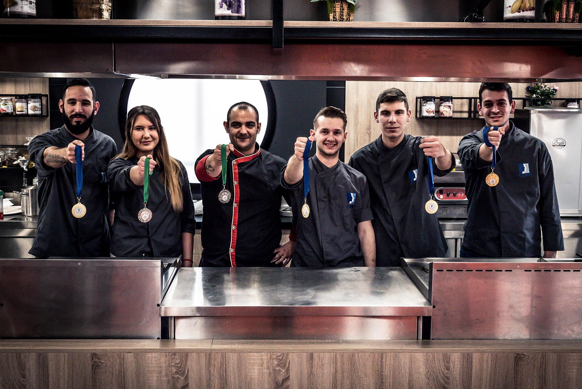 Το «ΙΕΚ ΑΚΜΗ» πρώτο σε συνολικό αριθμό μεταλλίων και σε χρυσά στον Πανελλήνιο Διαγωνισμό Μαγειρικής GREEK CHEF 2018