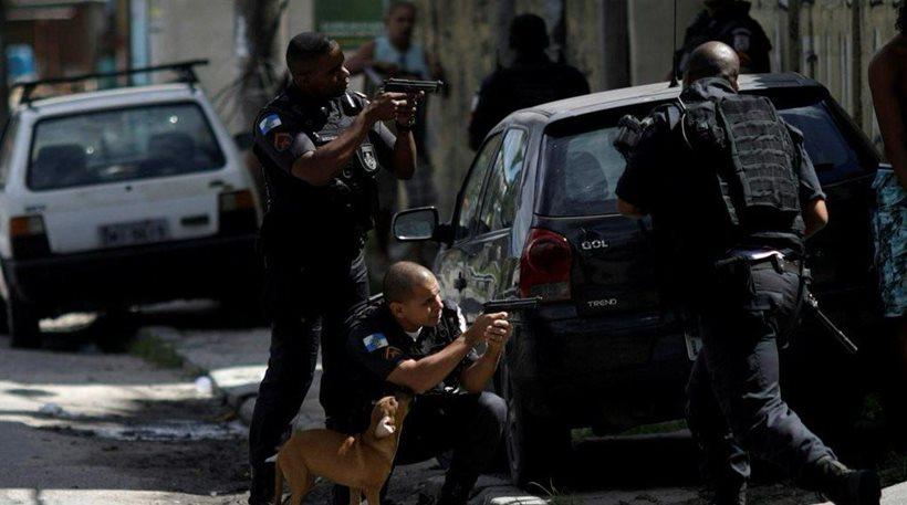 Χάος στο καρναβάλι του Ρίο ντε Τζανέιρο – Στα χέρια του στρατού η ασφάλεια