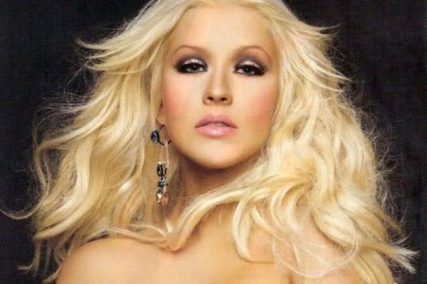 Ολόγυμνη στην μπανιέρα της η Christina Aguilera