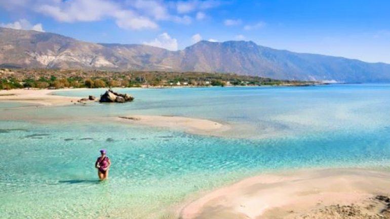 """Οι Γερμανοί αγαπάνε Κρήτη και το … αποδεικνύουν – Στο """"κόκκινο"""" οι προκρατήσεις"""