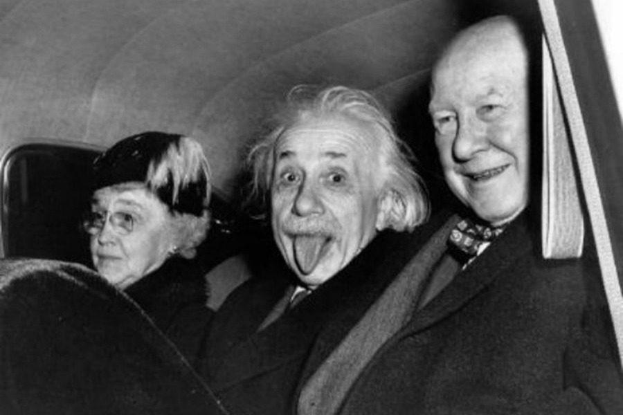 Η ιστορία πίσω από την πιο γνωστή φωτογραφία του Αϊνστάιν