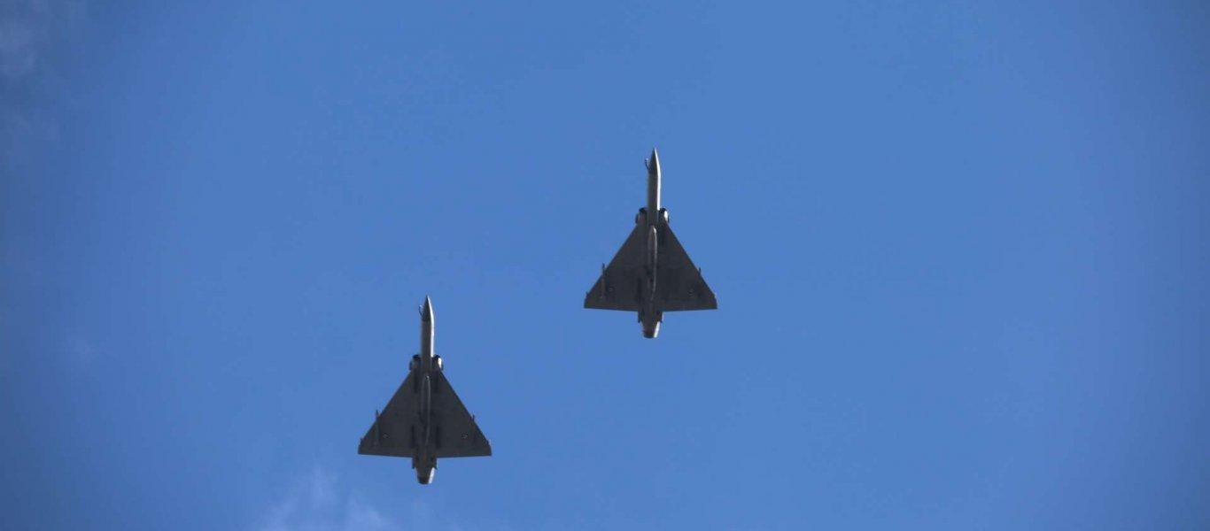 Στα Ίμια και σε χαμηλό ύψος με Mirage 2000-5 πέταξαν ο Αρχηγός ΓΕΕΘΑ και ο Α/ΓΕΑ (βίντεο)