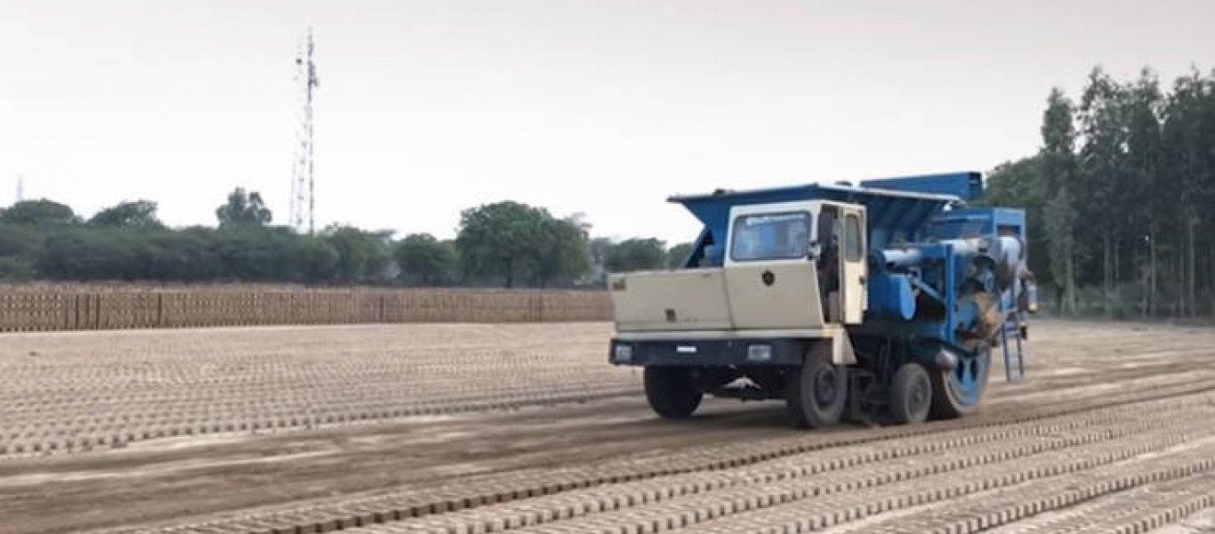 15.000 τούβλα σε μια ώρα; Κι όμως υπάρχει μηχάνημα που το κάνει! (βίντεο)