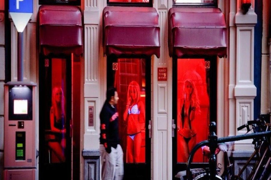 Γιατί οι οίκοι ανοχής έχουν κόκκινο φως