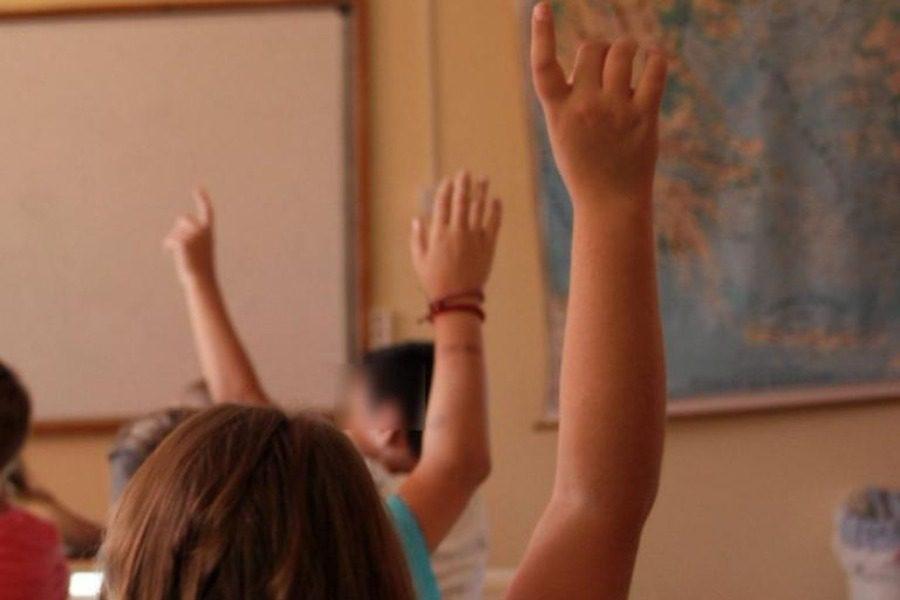 Βόλος: Τραγική αποκαλύψη από μαθήτρια μέσα στη τάξη