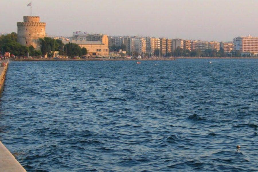 Θεσσαλονίκη: Νεκρή ηλικιωμένη που πήδηξε στα νερά του Θερμαϊκού
