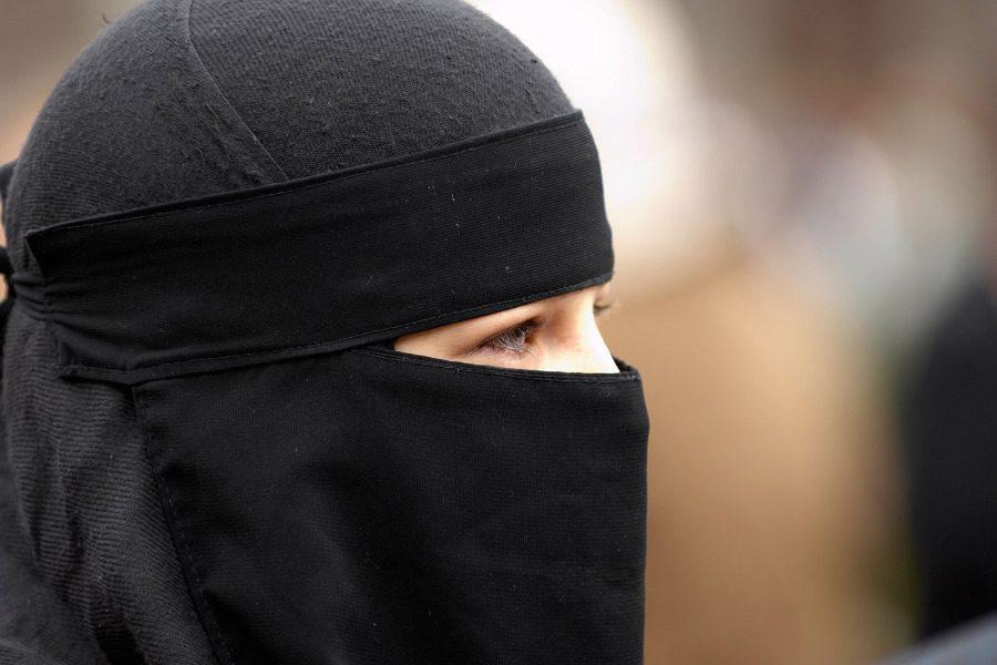 Από που προέκυψε η μαντίλα στο Ισλάμ;