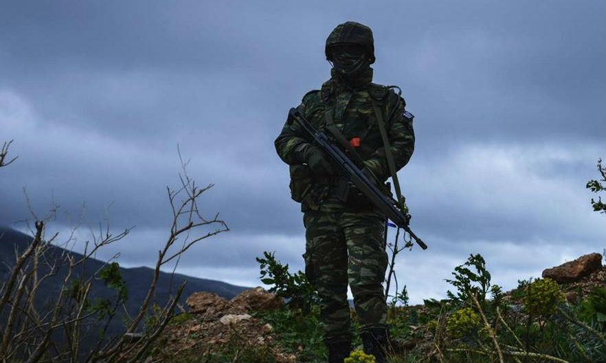Αιφνιδιαστική επίσκεψη του Διοικητή της ΑΣΔΕΝ στην Κάλυμνο – Διέταξε έλεγχο ετοιμότητας – Με το δάχτυλο στη σκανδάλη οι στρατιώτες