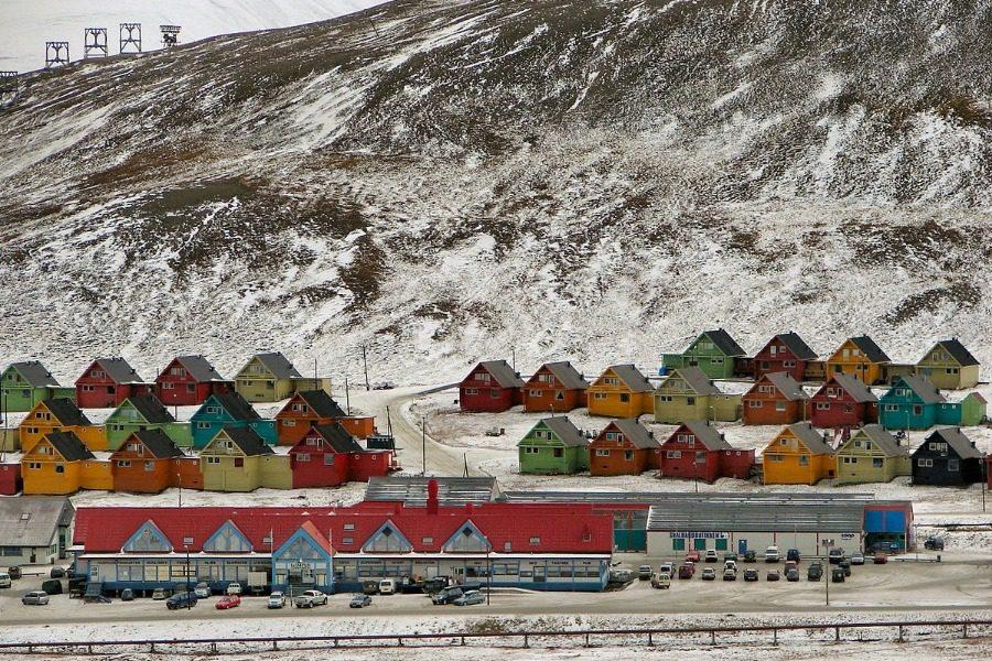 Η πόλη στον αρκτικό κύκλο που είναι παράνομο να πεθάνεις