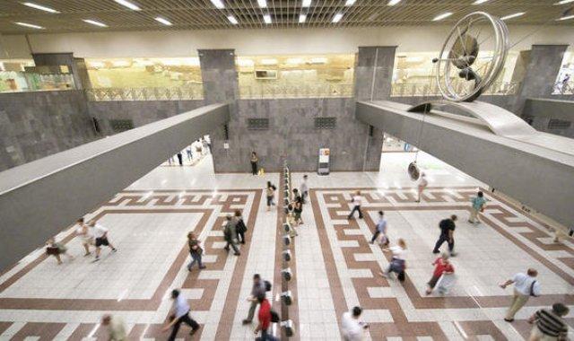 Ρεκόρ είσπραξης για τον ΟΑΣΑ: Έσοδα 1 εκατ. ευρώ σε μία μέρα στο μετρό Συντάγματος