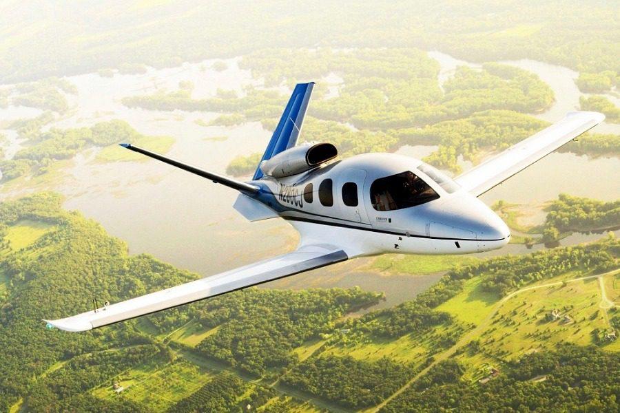 Το φθηνότερο private jet στον κόσμο που διαθέτει και αλεξίπτωτο για έκτακτη ανάγκη