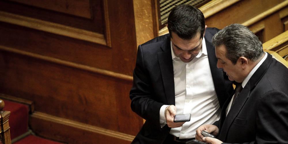 FAZ: Οι Έλληνες μέσα σε περιβάλλον εξαθλίωσης