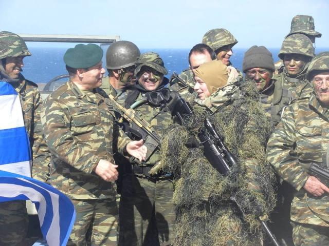 Ακροβολισμένοι «Sniper» γένους θηλυκού περιμένουν τους Τούρκους στα νησιά: Ρύθμιση για την συμμετοχή γυναικών στην Εθνοφυλακή!