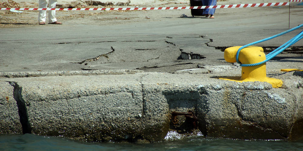 Πρόσκρουση πλοίου στο Αγκίστρι – Τραυματίστηκαν 5 επιβάτες