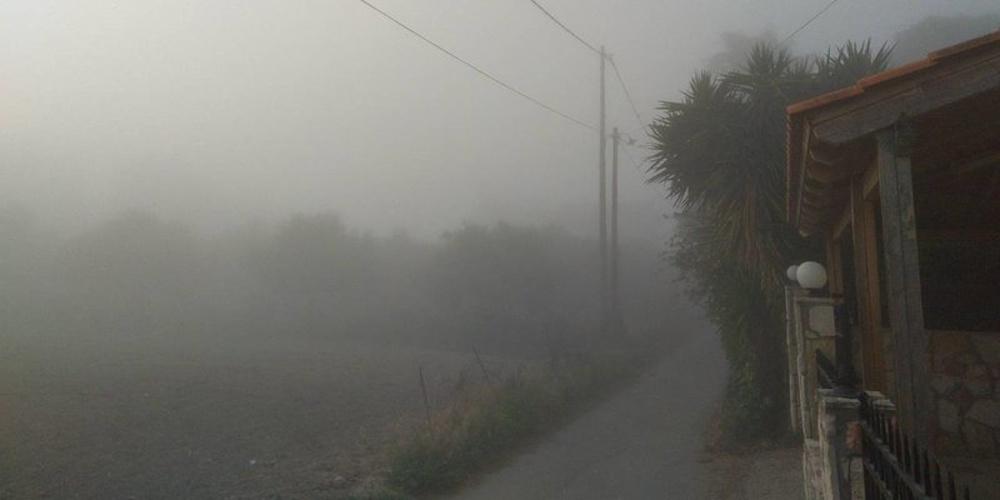 «Πνίγηκε» στην ομίχλη το Ηράκλειο – Ακυρώθηκαν πτήσεις [εικόνες]