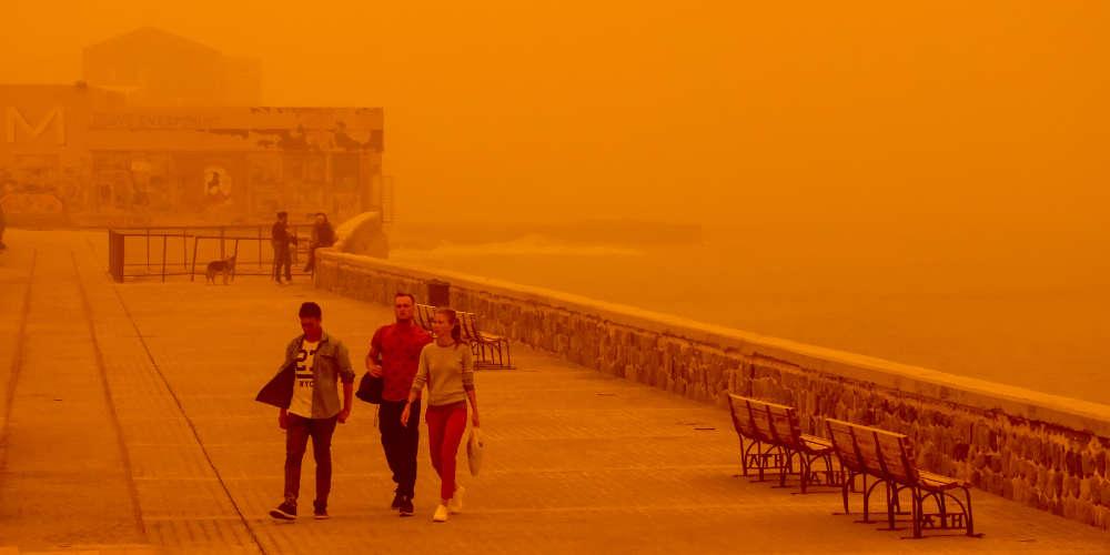 Πρόγνωση καιρού: Ο ήλιος φεύγει, η σκόνη μένει και έρχονται και βροχές!