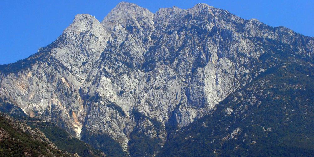 Κορονοϊός – Άγιο Όρος: Μοναχός βρέθηκε θετικός στον ιό – Νοσηλεύεται στο ΑΧΕΠΑ