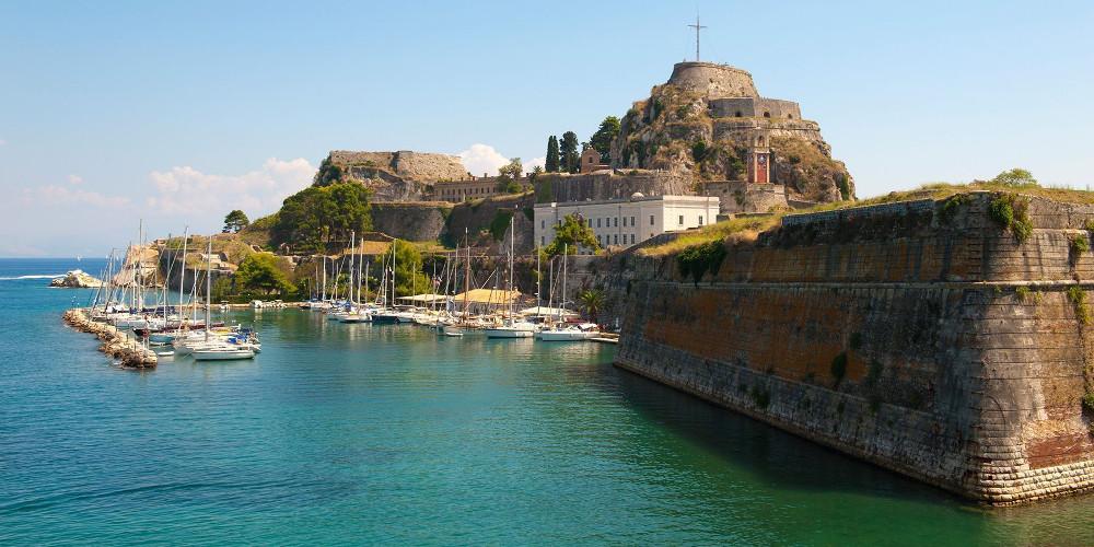 Οργανωμένο κύκλωμα διακίνησης αλλοδαπών εξαρθρώθηκε στην Κέρκυρα
