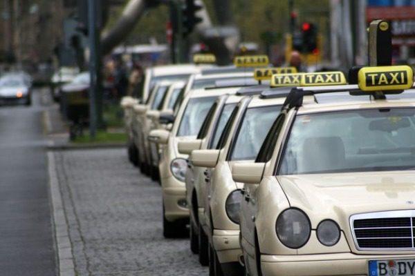Ταξιτζής στη Γερμανία χρέωσε 1.022 ευρώ κορυφαία ελληνίδα τραγουδίστρια