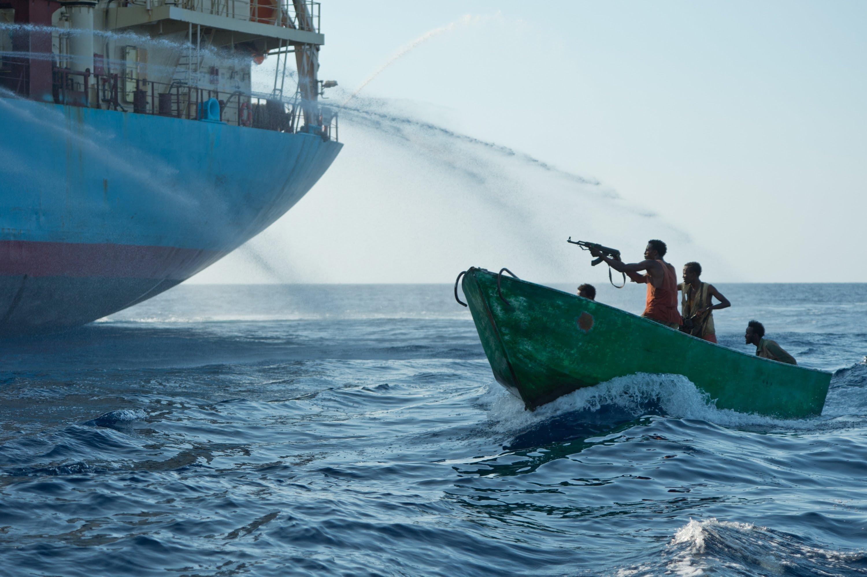 Εκαναν το λάθος! Σομαλοί πειρατές προσπαθούν να καταλάβουν πλοίο γεμάτο κομάντος και ξαφνικά… – Δείτε το βίντεο
