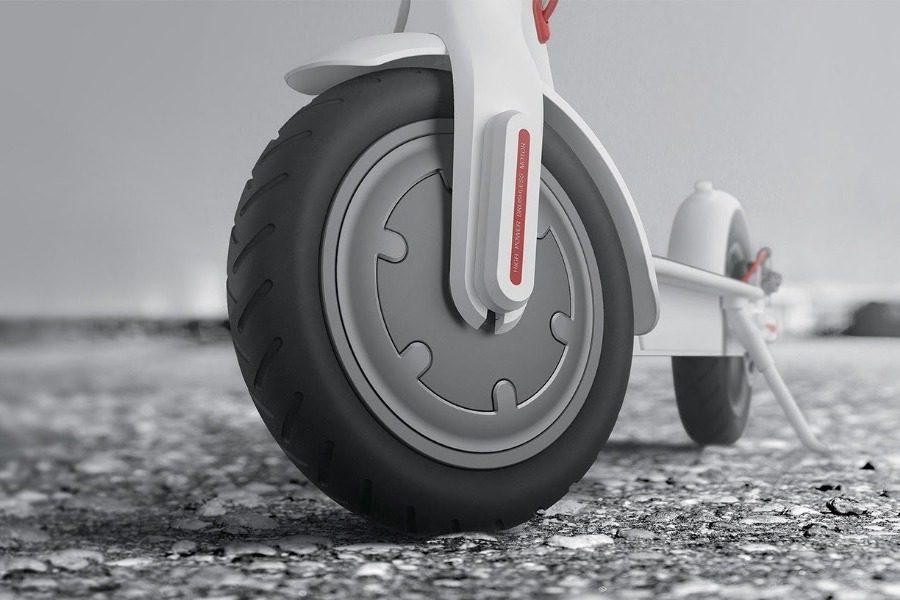 Αυτό είναι το scooter που έχει τρελάνει το YouTube