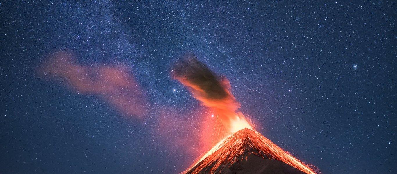 Πάνω από 25 νεκροί από έκρηξη ηφαιστείου στην Γουατεμάλα – Ανάμεσά τους και παιδιά (βίντεο)