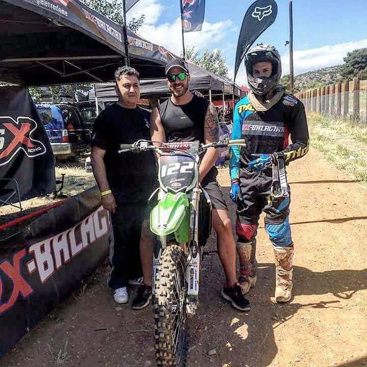 Στηρίζουμε όλοι τον Αλέξανδρο να κρατηθεί στη ζωή τραυματίστηκε σε αγώνα Motorcross