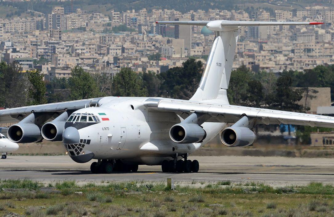 Εκτός ελέγχου η κατάσταση: Οι Ισραηλινοί χτύπησαν ιρανικό αεροσκάφος Ilyushin Il-76 – Μπαράζ εκρήξεων σε στρατιωτική βάση στη Δαμασκό