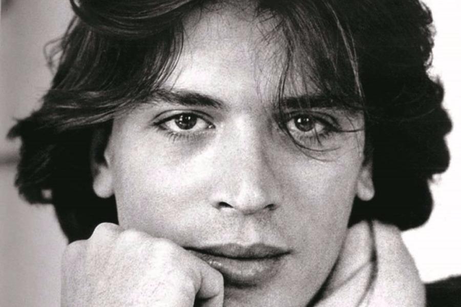 c59ea4e8ecd Σαν σήμερα: Πέθανε ο κορυφαίος Έλληνας σχεδιαστής Billy Bo ...