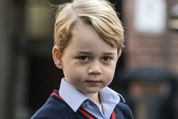 Το βίντεο με την ξαδέρφη του Πρίγκιπα Τζωρτζ να τον σπρώχνει που προκάλεσε συζητήσεις